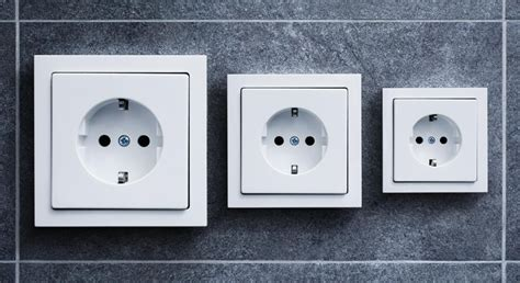 type  electrical outlet    iceland