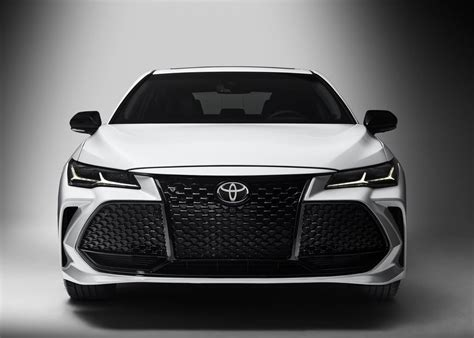 toyota avalon    limited  uae  car prices