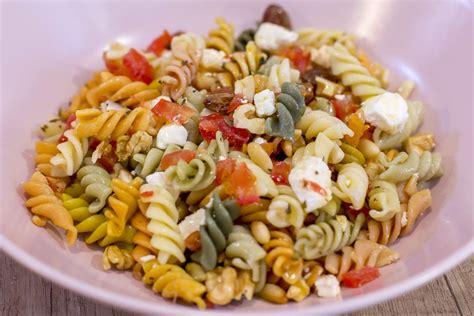 La pasta és un aliment bàsic i molt popular que forma part ...