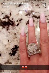 kim zolciak gushes over stunning diamond ring that39s early With kroy biermann wedding ring