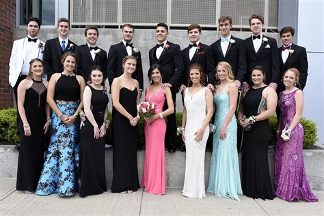 Shenendehowa Students Sparkle For Senior Prom