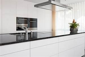 Küche Weiß Hochglanz : kueche klwamo ~ Watch28wear.com Haus und Dekorationen