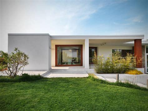 flat roof modern house designs narrow flat roof houses modern modern italian homes mexzhouse com