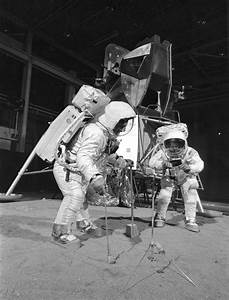 File:Apollo 11 Crew During Training Exercise - GPN-2002 ...