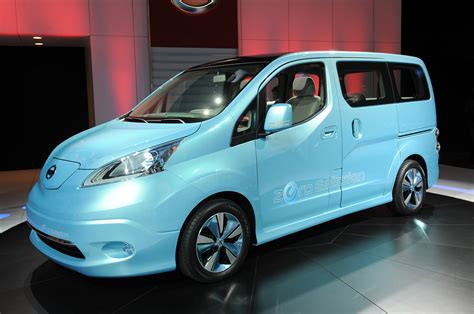 Nissan E Nv200 Concept Makes Up For Its Looks With Utility