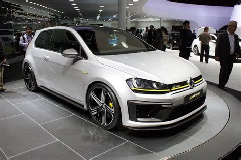 2019 Vw R400 by 2017 Volkswagen Golf R400 In The Flesh