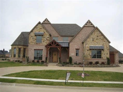 Texas Home Love The Mix Of Stone And Brick Home Styles