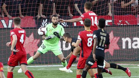 The official adelaide united football. A-League: Western Sydney Wanderers upset Adelaide United ...