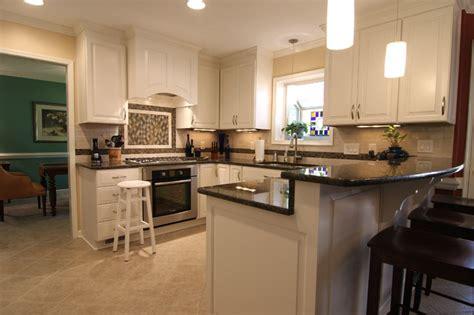 white kitchen  bar counter traditional kitchen