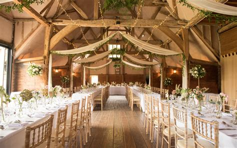 wedding venues  oxfordshire south east lains barn