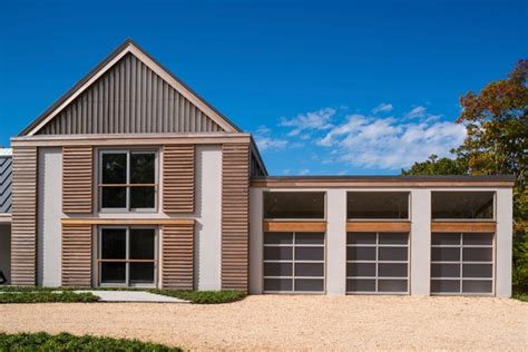 Modern Green Barn -sagaponack, Long Island