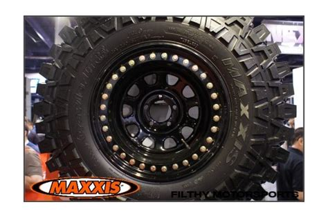 Maxxis Creepy Crawler M8090 Tires (37