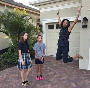 Funny moms celebrate back to school in photos