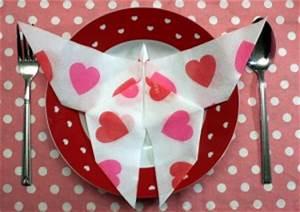 Pliage De Serviette Papillon : pliage de serviette les astuces de luce ~ Melissatoandfro.com Idées de Décoration