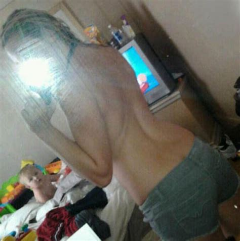 Mom Selfies From Some Of The Worst Moms Ever 34 Pics