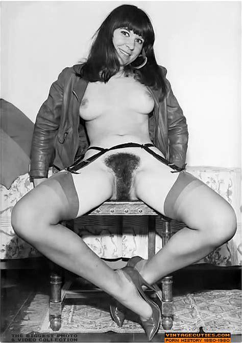 Vintage Hot Girls Spreading Wide And Flashi Xxx Dessert Picture
