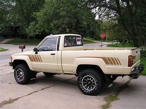 1987 Toyota Pickup - Pictures