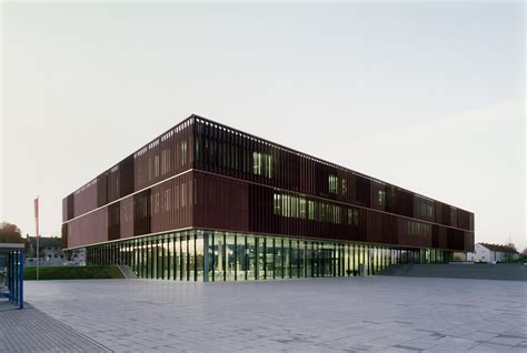 E On Avacon Ag by E On Avacon Administration Building In Salzgitter