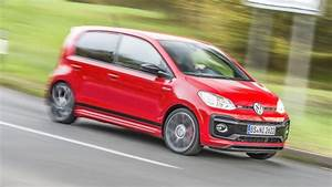 Volkswagen Up : vw up gti review baby hot hatch tested in the uk top gear ~ Melissatoandfro.com Idées de Décoration