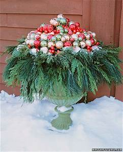 From Everyday to Holiday Outdoor Decor
