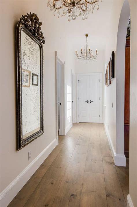 warmer bodenbelag wohnzimmer ein klassiker bei parkett einrichtung warmer parkett farbton kombiniert mit wei 223 en w 228 nden und