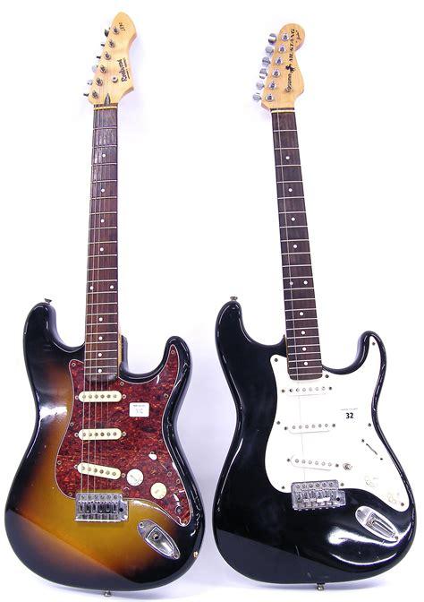 Lot 32 Sunn Mustang By Fender Electric Guitar Guitar