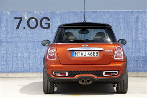 2010 Mini Cooper S Reviews by 2010 Mini Cooper S Hatchback Review Pictures Evo