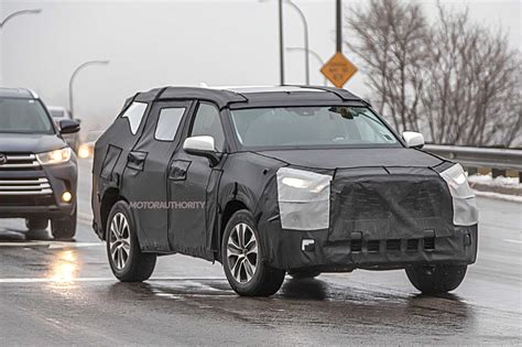 Toyota Highlander Hybrid 2020 by 2020 Toyota Highlander