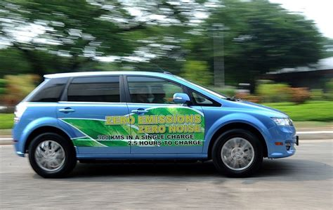 Best Electric Vehicle Range by 10 Electric Vehicles With The Best Range In 2017