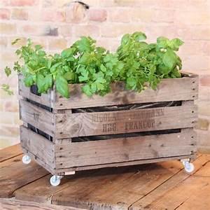 Jardiniere Sur Roulette : 9 bonnes raisons d 39 utiliser la caisse en bois pour le balcon la terrasse ou le jardin ~ Farleysfitness.com Idées de Décoration