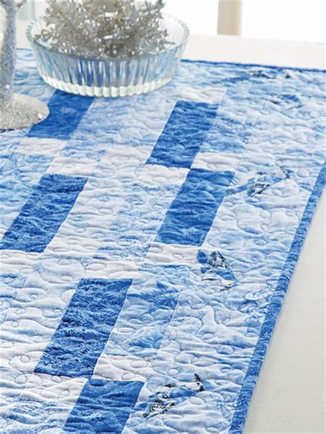 Quilting   Winter Blues Table Runner