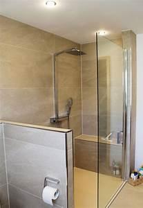 Dusche Mit Sitz : ger umiges duschbad in sandsteinton ~ Sanjose-hotels-ca.com Haus und Dekorationen