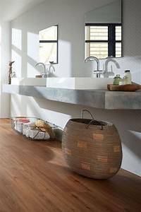 Fliesen In Holzdekor : badezimmer nat rlich modern vinylboden in holzoptik designwaschbecken badezimmer fu boden ~ Indierocktalk.com Haus und Dekorationen