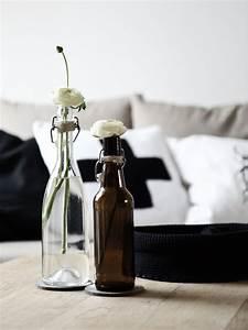 Deko Mit Flaschen : alte flaschen als vasen dekorieren mxliving ~ Frokenaadalensverden.com Haus und Dekorationen