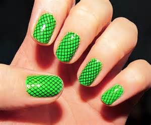 Halloween green ghoul nail art pumpkincat