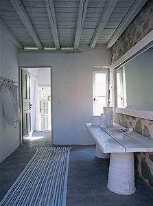 decor des iles grecques la maison de paola navone a serifos With tapis de gym avec canapé paola navone