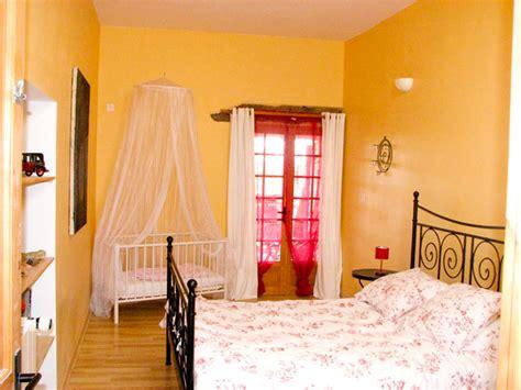 chambre jumelles chambre bébé jumelles idées de décoration et de mobilier
