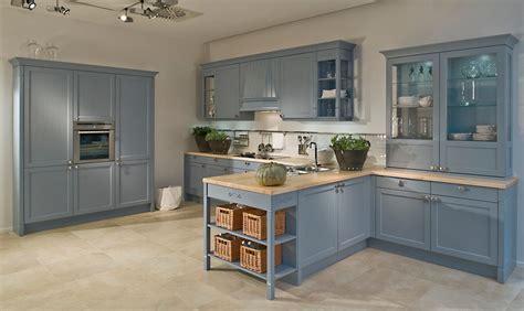 meuble de cuisine repeint repeindre cuisine en gris relooking cuisine bois en 18