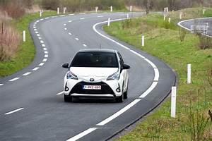 Avis Toyota Yaris 3 : essai toyota yaris 2017 notre avis sur la nouvelle yaris 1 5 vvt i toyota auto evasion ~ Gottalentnigeria.com Avis de Voitures