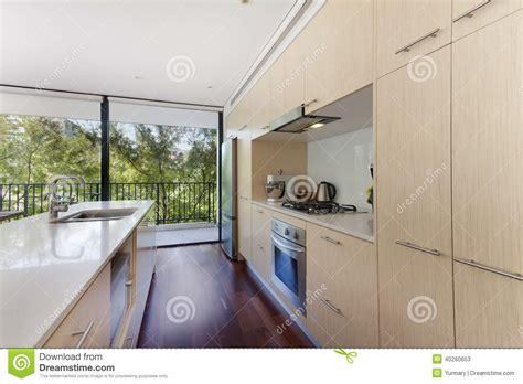 binnenhuisarchitectuur prijzen binnenhuisarchitectuur een woonkamer stock foto
