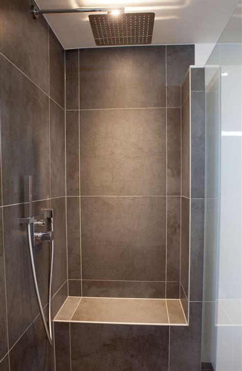 Kleines Badezimmer Mit Dachschräge Fliesen by Cool Design Kleine Dusche Modern Moderne Badezimmer Mit