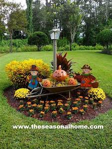 Fall is coming the seasonal home for How to decorate front yard for fall
