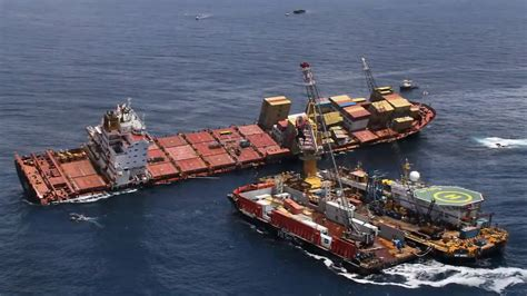 Ship Accident by World S Biggest Ship Accident Youtube