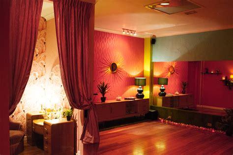 maison burlesque  flamingo room  richmond find