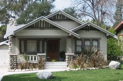 Bungalow Mit Ausgebautem Dach by Craftsman And Bungalow Style Homes The Modest Mansion