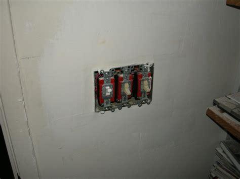 cutting holes  drywall  ceiling    joist