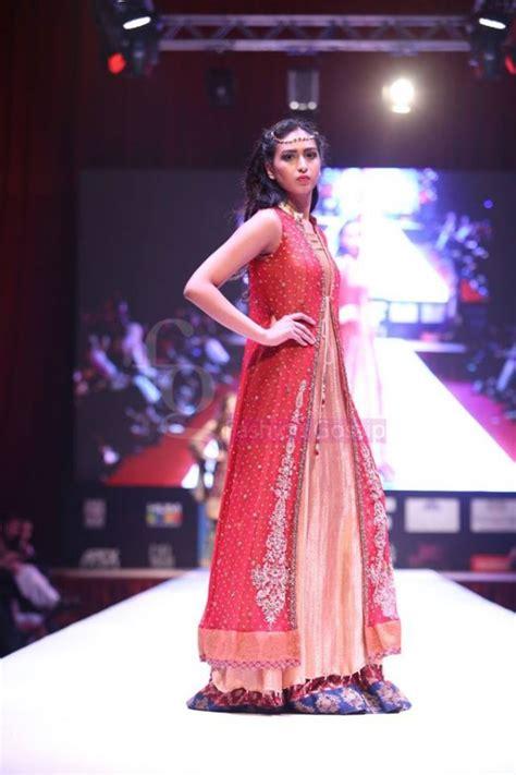 dress designer umsha  uzma babar international wedding