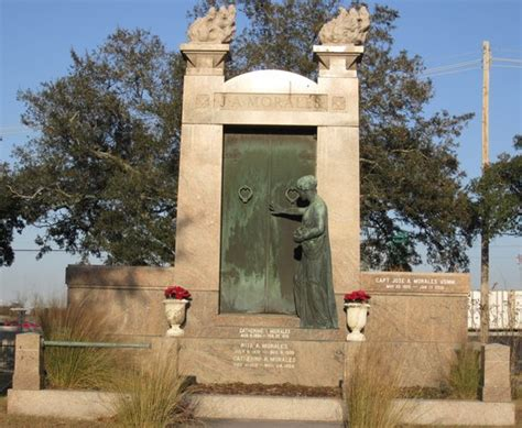 Hotels With Balconies New Orleans by Lake Lawn Metairie Cemetery New Orleans Tripadvisor