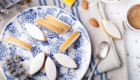 Franču virtuves klasika - marcipāna konfektes ar saldu ...