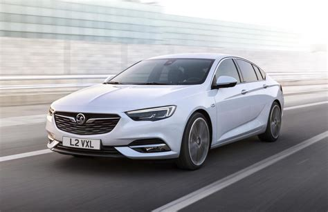 opel insignia 2018 holden ng commodore revealed with 2017 opel insignia